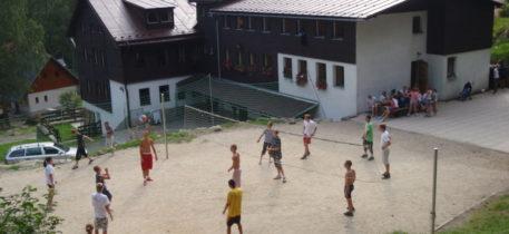 Altai-Adventure - Bedrichov Volleyballfeld